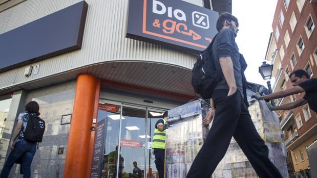 La cadena ha señalado que su deuda financiera neta se ha situado a cierre de marzo en aproximadamente 1.702 millones de euros