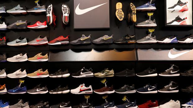 La forma Perspicaz Esquivo  Nike y Adidas piden a Trump que elimine el calzado de su «lista negra»