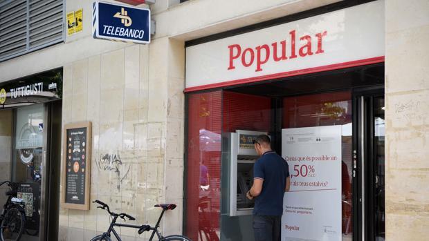 Banco Santander ha finalizado este fin de semana en Andalucía la integración tecnológica de las casi 1.600 oficinas de las que Popular disponía en toda España