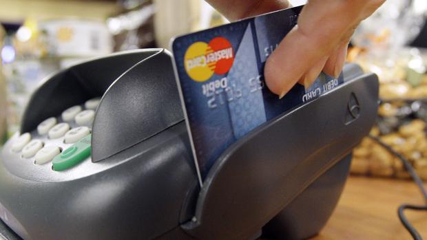 El 83% de las compañías que cuentan con TPV físico ya admite el pago «contactless» con tarjeta o con móvil