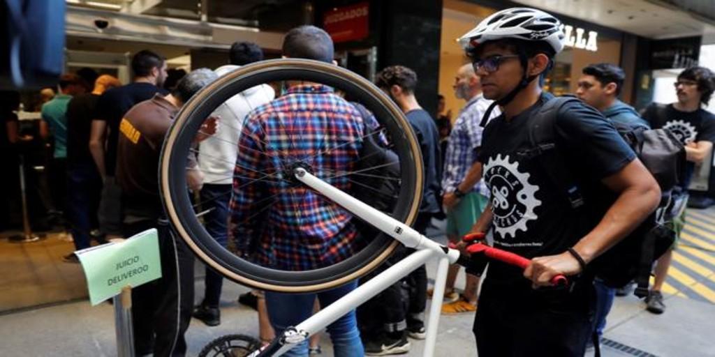 El TSJM mantiene que los 532 riders de Deliveroo en Madrid son falsos autónomos