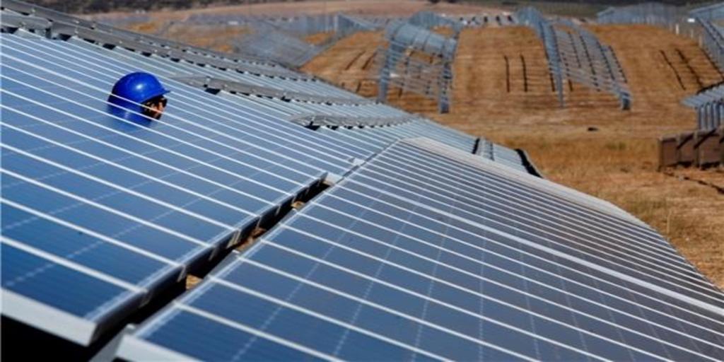 Iberdrola pone en marcha en Extremadura la mayor planta fotovoltaica de Europa