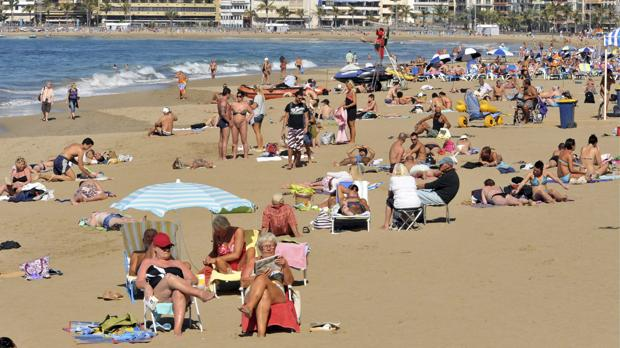 playa-canarias-k2aB--620x349@abc.jpg