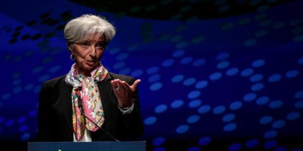 Lagarde fecha la recuperación económica de la Eurozona en el primer trimestre de 2022