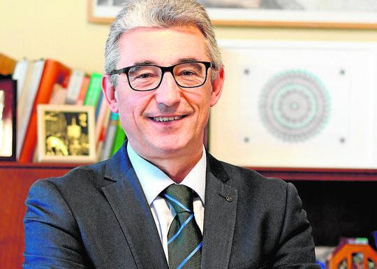 Pedro J. Gómez / CEO of educational resources (DRED)