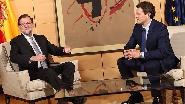 Rajoy y Rivera, durante el encuentro que mantuvieron el día 10 en el Congreso de los Diputados