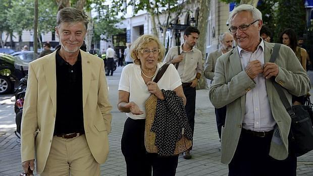 Imagen de archivo de Ribó con Manuela Carmena y el alcalde de Zaragoza