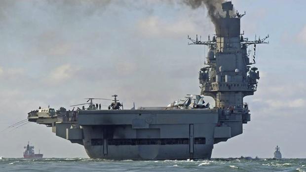 El portaaviones ruso Almirante Kuznetsov, a su paso por el Canal de la Mancha el pasado día 21