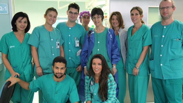 En la imagen, el equipo que llevó a cabo la intervención quirúrgica en el Hospital Miguel Servet de Zaragoza