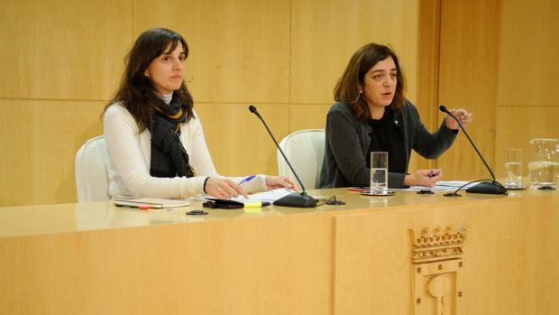 La ahora ex consejera delegada de Madrid Destino, Ana Varela, y la también ex delegada de Cultura y Deportes, Celia Mayer
