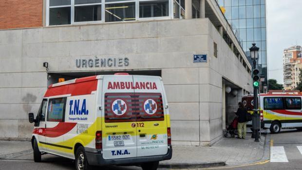 Imagen de archivo de la entrada de Urgencias del Hospital Clínico de Valencia