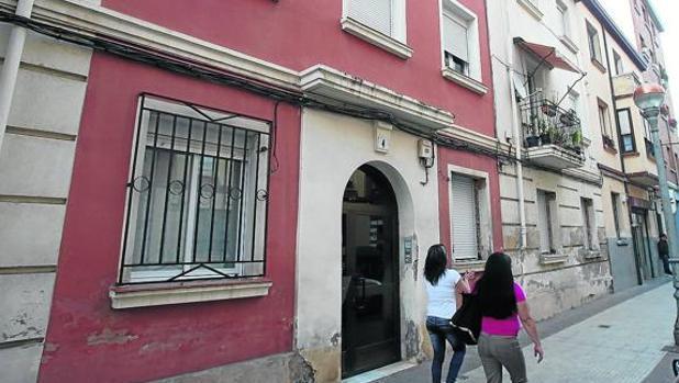Inmueble de la calle Conde Superunda en el que tuvieron lugar los hechos