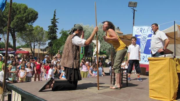 Una representación teatral dedica al público infantil