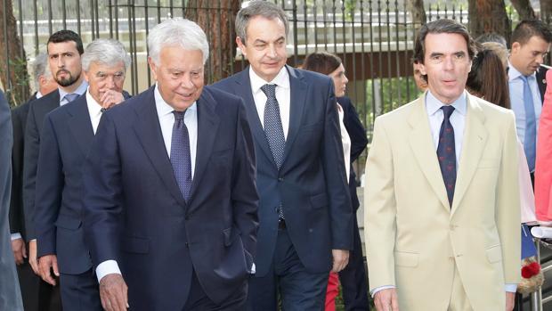 Los expresidentes González, Zapatero y Aznar, llegan este miércoles al debate organizado por Vocento