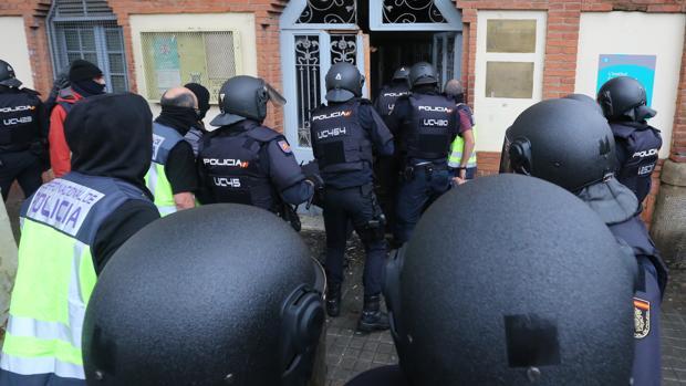 Antidisturbios desplegados en Hospitalet de Llobregat el 1 de octubre