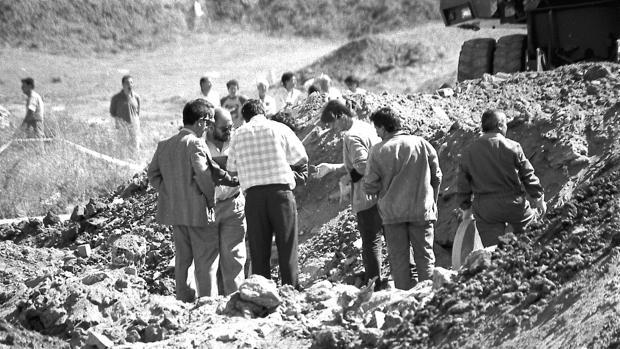 Las autoridades tratan de localizar el cadáver de Anabel Segura entre los escombros de una fábrica de ladrillos