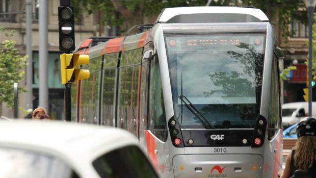 Imagen de archivo del tranvía de Zaragoza