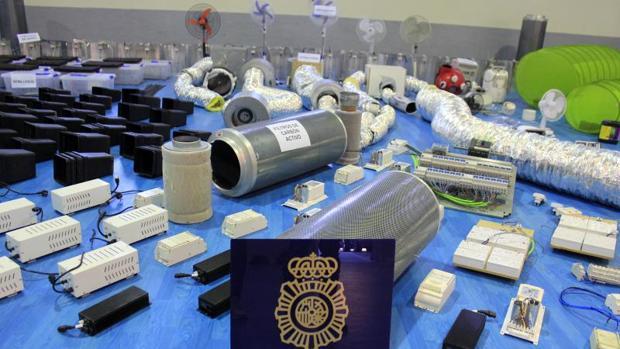 Material para el procesado de la droga, expuesto ayer en la Jefatura Superior de Policía de Toledo