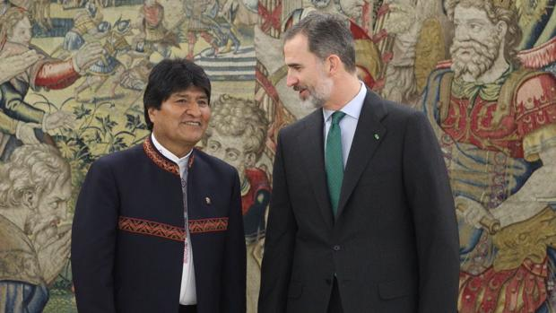 Felipe VI junto a Evo Morales