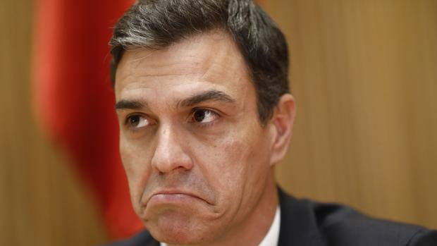El líder socialista, Pedro Sánchez, durante la reunión plenario del grupo socialista
