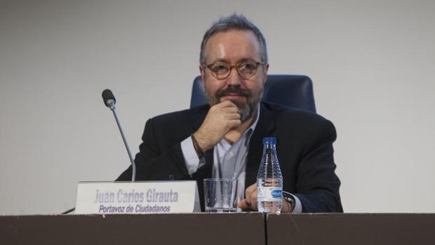 Juan Carlos Girauta en la primera sesión del ciclo de conferencias