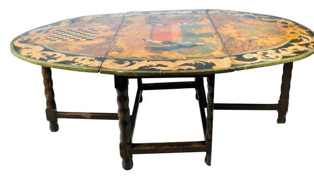 Detalle de la mesa de juego del siglo XVIII