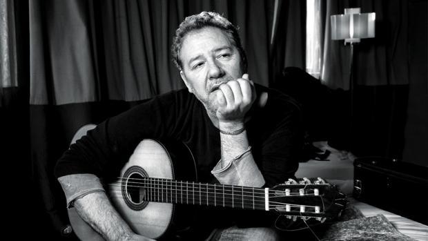 Carlos Goñi, cantant de Revólver