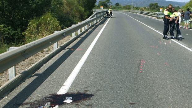 El conductor arrolló a los dos ciclistas en Montbrió