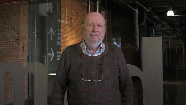 El escultor almanseño José Luis Sánchez