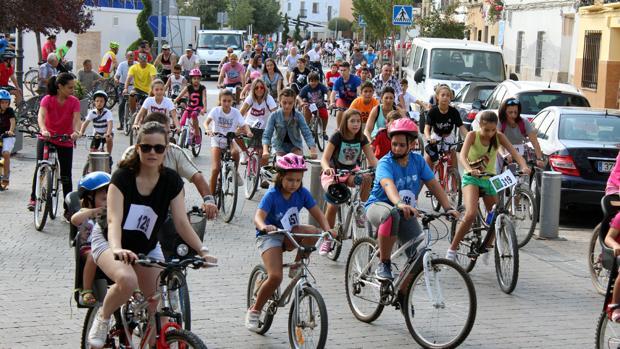 Participantes en el Día de la Bicicleta