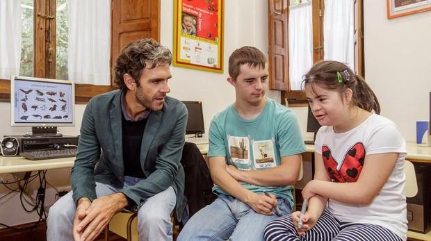 José Tomás, durante su visita a la Asociación Síndrome de Down
