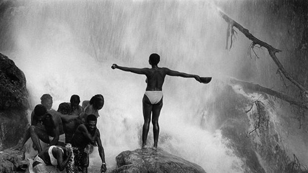 «Rituales en Haití», una de las fotografías que se pueden contemplar en el nuevo espacio de Puertollano