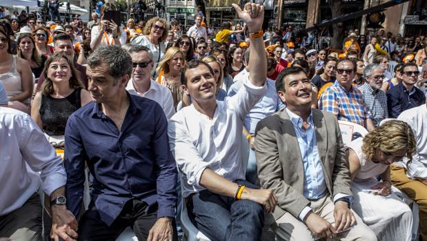 Toni Cantó, Albert Rivera y Fernando Giner, durante un mitin en Valencia en una imagen de archivo