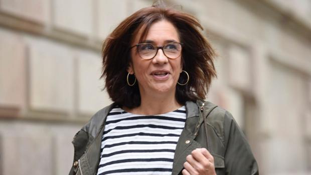 La esposa del exconsejero Jordi Turull entrando este lunes en el TSJC