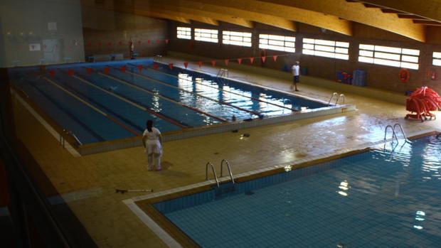Interior de la piscina cubierta de Torrijos