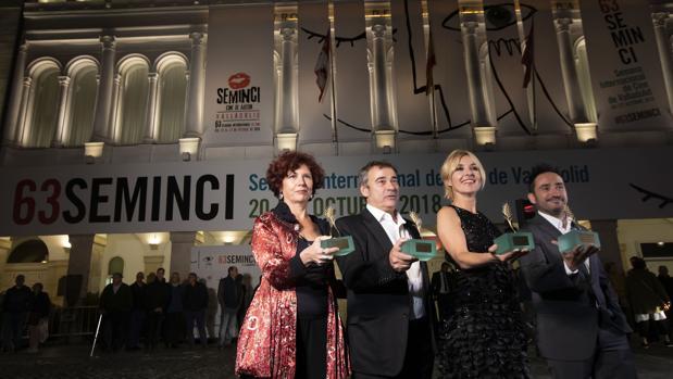 Bollain, Fernández, Guillén Cuervo y Bayona muestran sus Espigas de Honor