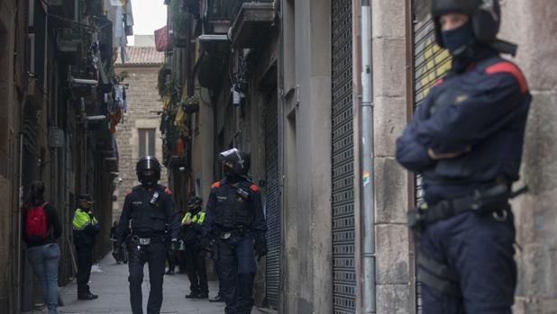 Los Mossos d'Esquadra han puesto en marcha una operación contra el narcotráfico en Barcelona