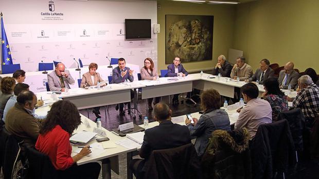 Martínez Arroyo, preside la reunión del Consejo Asesor Agrario de la región