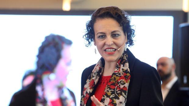 La ministra de Trabajo, Magdalena Valerio, este domingo en Santiago