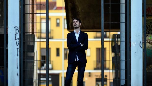 Pablo SImón, a las puertas del campus madrileño de la Universidad Carlos III