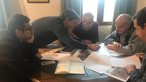 Félix Ortega explica a representantes de la CHT los problemas con las lluvias en Cobisa