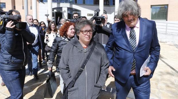 Mónica Cerdá y Alberto Ganga, a la salida de los juzgados de Getafe