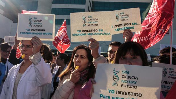 Imagen de la protesta de este miércoles ante el hospital La Fe de Valencia