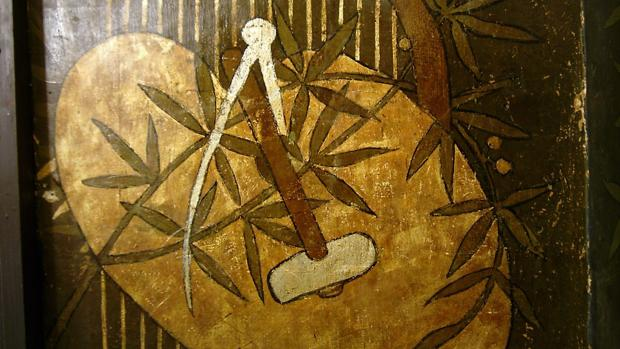 El compás y la maza, símbolos de la masonería
