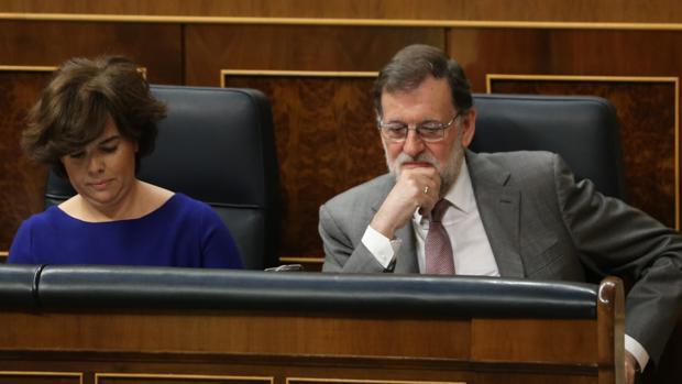 Soraya Sáenz de Santamaría y Mariano Rajoy, en una imagen de archivo
