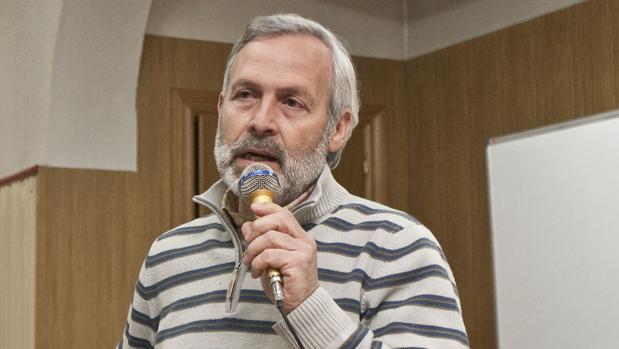 El hasta ahora candidato a las primarias de Ciudadanos a la Junta de Castilla y León, el burgalés Jacinto Puente