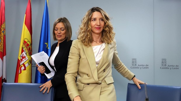 Milagros Marcos y Alicia García, durante la rueda de prensa de un Consejo de Gobierno de la Junta