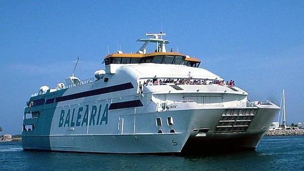 Uno de los barcos de la compañía Balearia