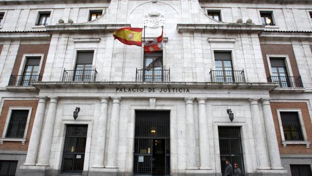 Exterior de la Audiencia Provincial de Valladolid