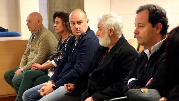Los acusados en el juicio que empezó esta semana en la Sección Sexta de la Audiencia, en Santiago